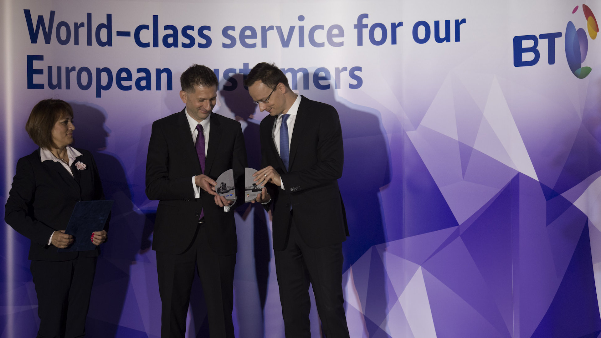 BT's Regional Service Centre received Centre of Excellence award 2015 the best services centre in Hungary, Szijjárto Péter KKM Szabó Zoltán Grócz Mária BT