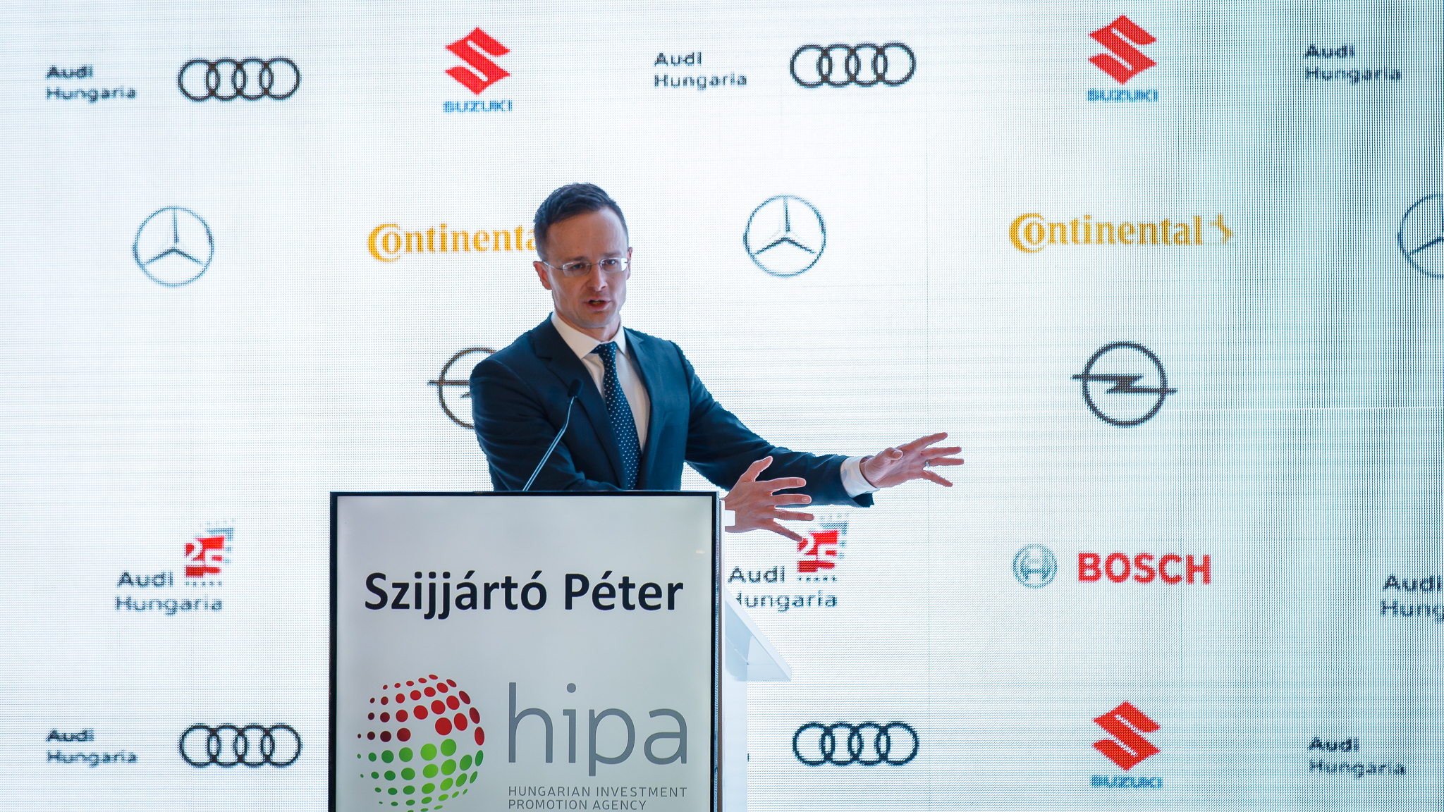Hungarian automotive industry to shift to new dimensions - VIDEO
