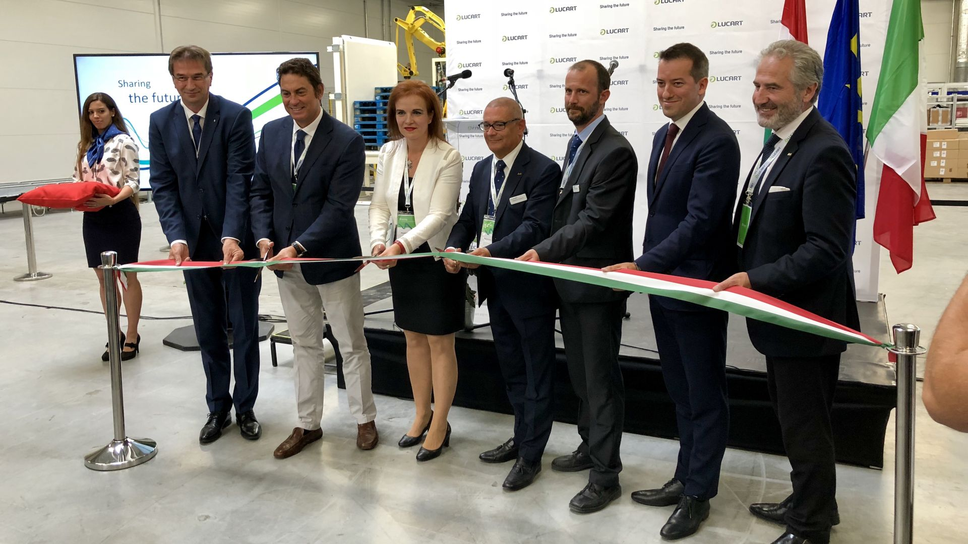 Lucart celebrates the inauguration of its new plant in Nyergesújfalu
